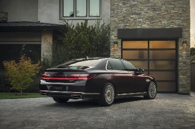 2020 Genesis G90_rear_right