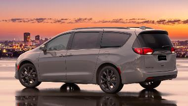 2020 Chrysler Pacifica_Rear_Left