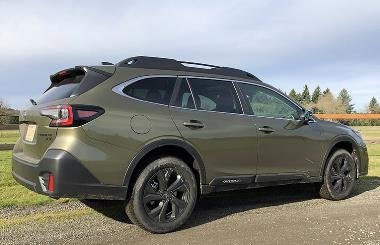 2020 Subaru Outback_rear_right