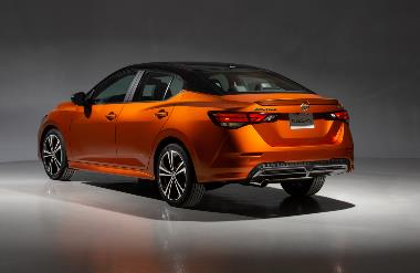 2020 Nissan Sentra_rear_left